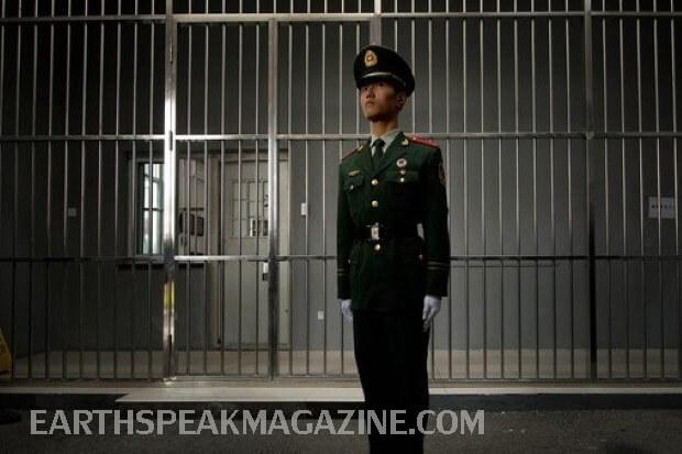 Zhang Yuhuan ชายคนหนึ่งในภาคตะวันออกของจีนพ้นผิดในข้อหาฆาตกรรมและได้รับการปล่อยตัวหลังจากใช้เวลา 27 ปีในคุกยืนยันว่าเขาถูกตำรวจทรมาน