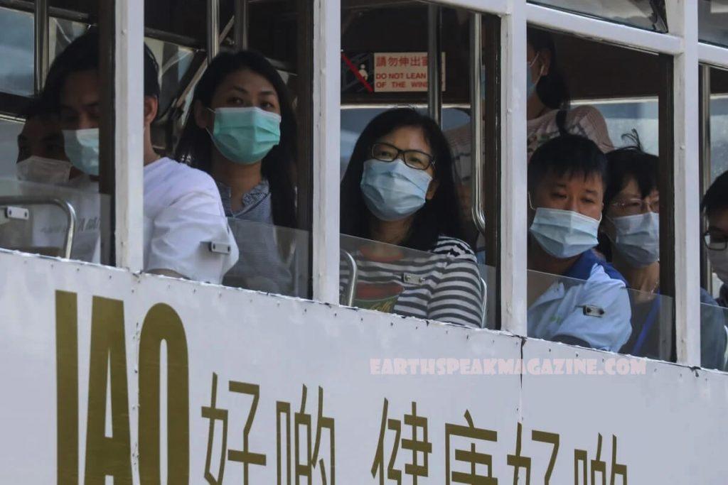 เมืองฮ่องกง ได้เริ่มโครงการทดสอบโควิด -19 สากลฟรีแม้ว่าจะมีการวิพากษ์วิจารณ์ว่าไม่มีประสิทธิภาพและอาจถูกนำไปใช้ในทางที่ผิดในการเฝ้าระวัง