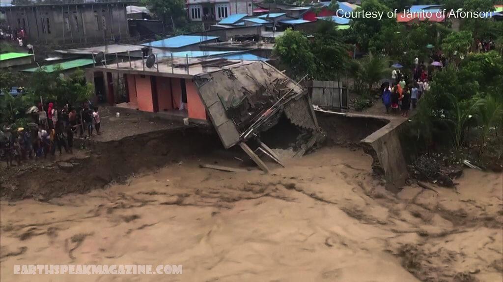 น้ำท่วมและดินถล่ม ในอินโดนีเซียและติมอร์ มีผู้เสียชีวิตอย่างน้อย 113 คนหลังเกิดน้ำท่วมฉับพลันและดินถล่มถล่มอินโดนีเซียและติมอร์ตะวันออก