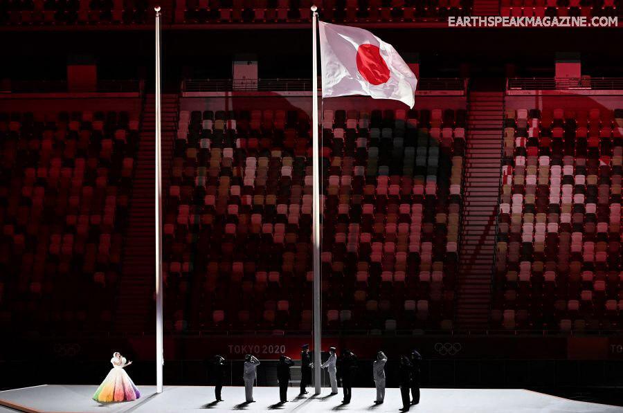 โอลิมปิก ที่โตเกียวได้เริ่มขึ้นแล้ว การแข่งขันกีฬาโอลิมปิกที่กรุงโตเกียวเปิดฉากขึ้นเมื่อวันศุกร์ที่ผ่านมาโดยมีดอกไม้ไฟส่องสว่างในสนามกีฬา